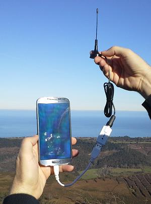 Conexión dongle DVB-T a teléfono móvil