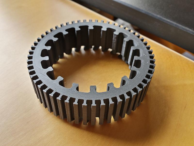 Estátor de motor brushless, impreso en PLA magnético. Gilitadas
