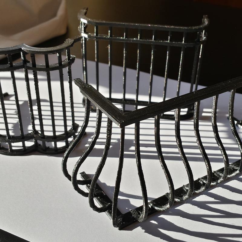 Barandillas de balcón para casa de muñecas. Impresión 3D. Gilitadas